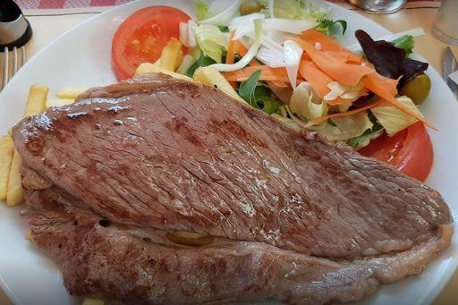 Girona Beef Steak with accompaniment*